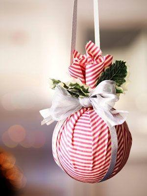 Resultado de imagem para bolas de natal feitas com material reciclado